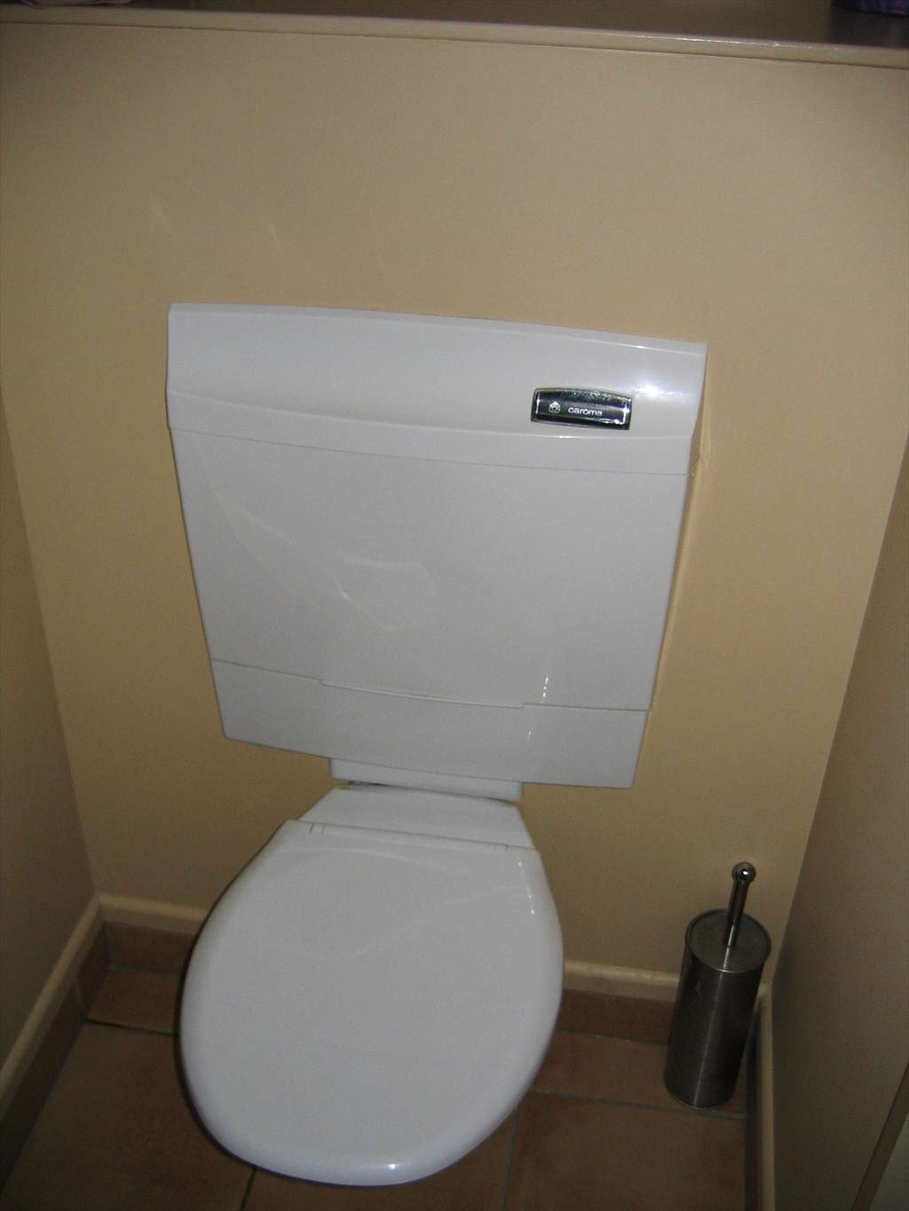 0272-Built-in toilet.jpg