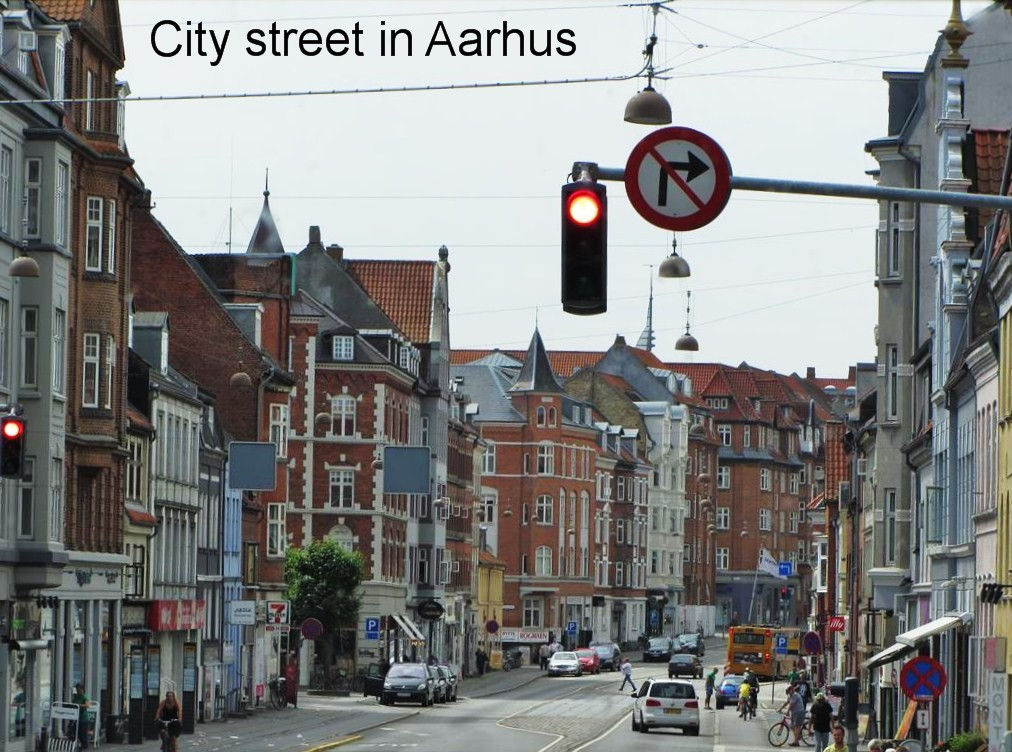 0814a-City street from bus, Aarhus.jpg