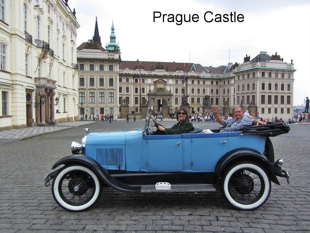 2408a-C&N in 1928 Ford, Prague Castle, Castle Square, Prague.jpg