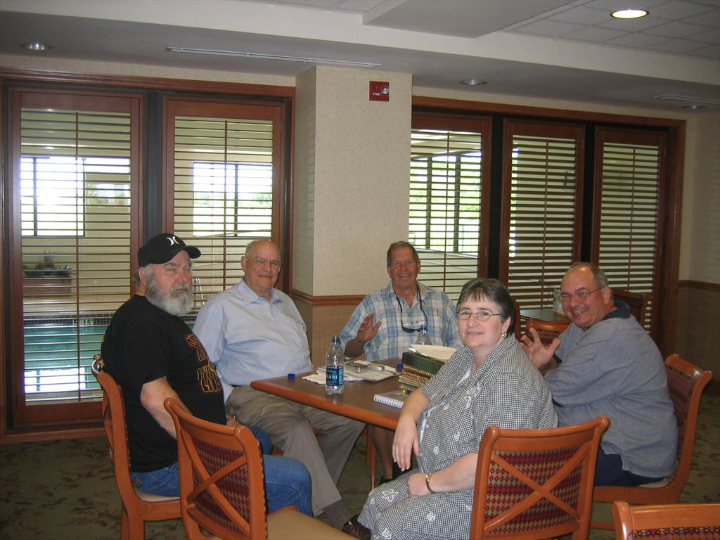 0445-Steve, Walter Allen, Carl, Gwen, Billy Joe.jpg